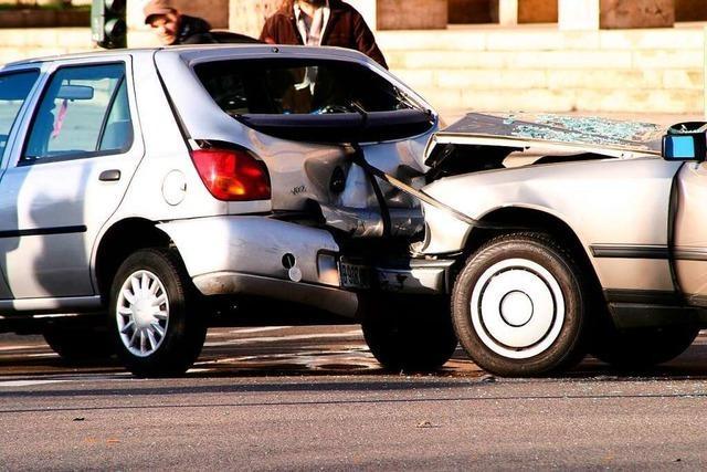 Wie man Ausgleich für Sachschäden nach einem Unfall bekommt