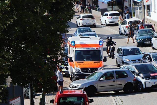 Gas statt Bremse: 92-Jähriger sorgt für Chaos in Hinterzarten