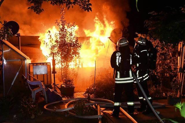 Gartenhaus in Kippenheimweiler brennt komplett ab