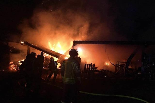 Schuppenbrand: Polizei geht von Brandstiftung aus