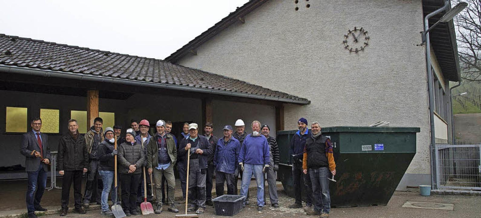 Mit dem Umbau der alten Schule zu eine...as Gebäude im Frühjahr schon mal aus.   | Foto: Volker Münch