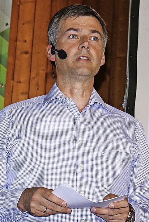 Bürgermeister Christian Mauch trat als...#8220; für das Glasfaser-Ortsnetz auf.  | Foto: Gudrun Deinzer