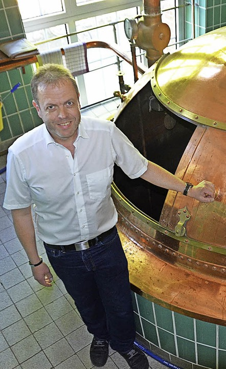 Harald Neff in der Hirschen-Brauerei, ...018 ihr 150-jähriges Bestehen feiert.   | Foto: Fackler