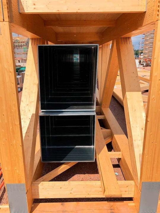 Dachbinder aus Holz mit den Maßen 3,7 ...r tragen einmal das Dach von Rulantica  | Foto: Michael Thoma