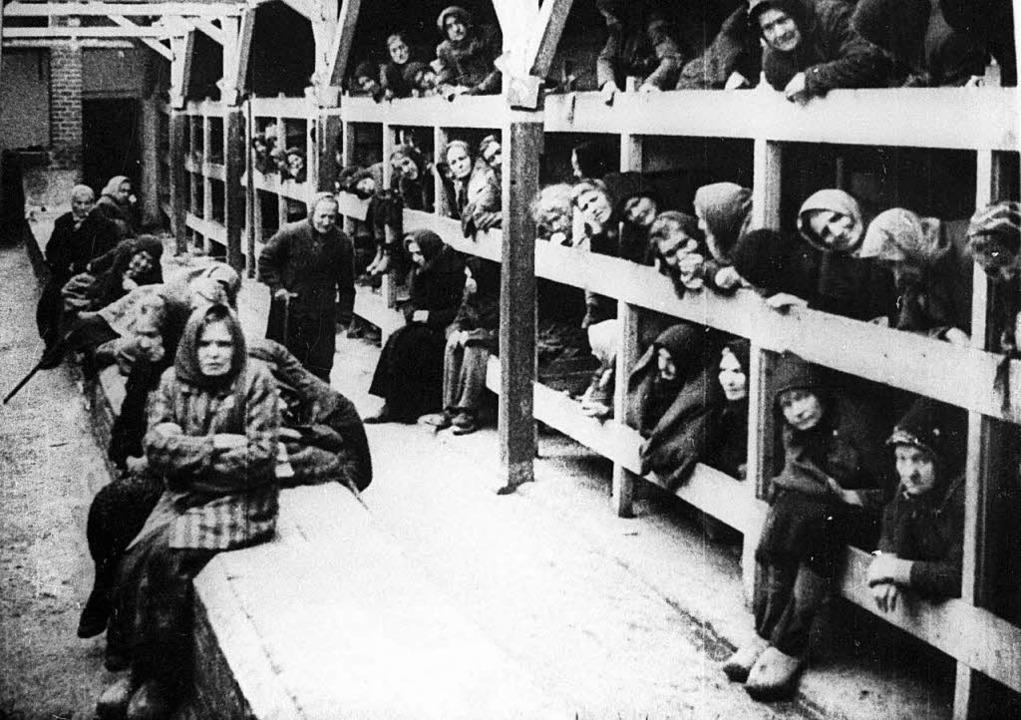 900000 Menschen starben in den Gaskammern des Konzentrationslagers Auschwitz  | Foto: dpa