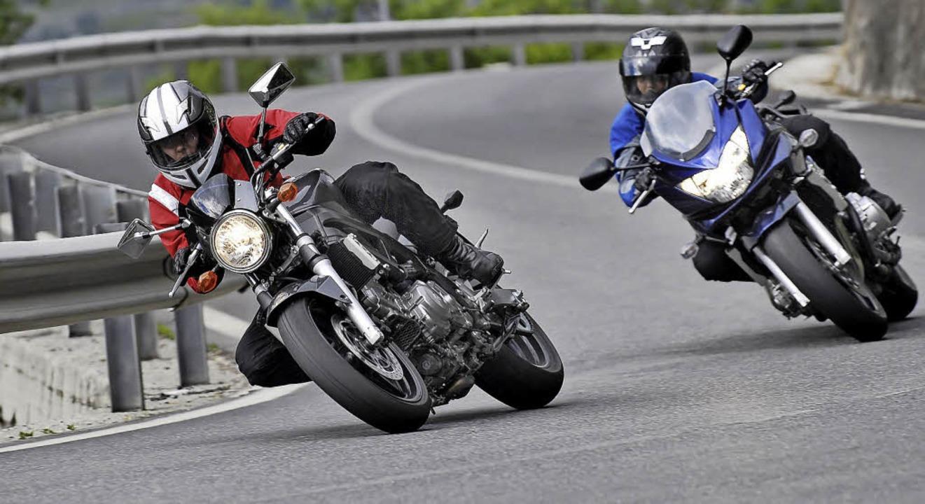 Zahlreiche Motorradfahrer heizen diese...cken, die unter dem Motorlärm leiden.   | Foto: Symbolfoto: Marc Xavier/Fotolia.com