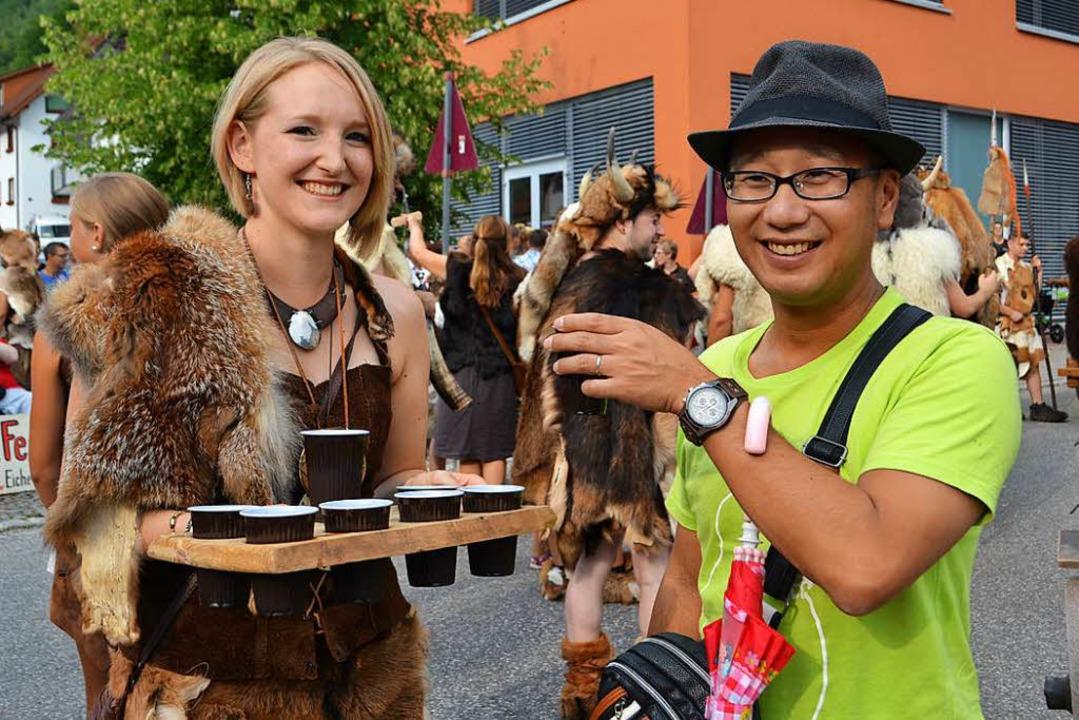 Auch Gäste aus Fernost waren zu Gast und genossen das Spektakel.  | Foto: Paul Berger
