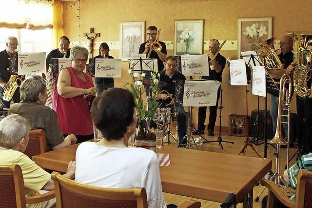 Frühschoppenmusik im Pflegeheim