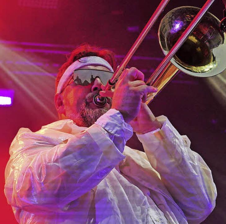 Souveräner Posaunist:  Joe Lindsay von Fat Freddy's Drop  | Foto: Martina David-Wenk