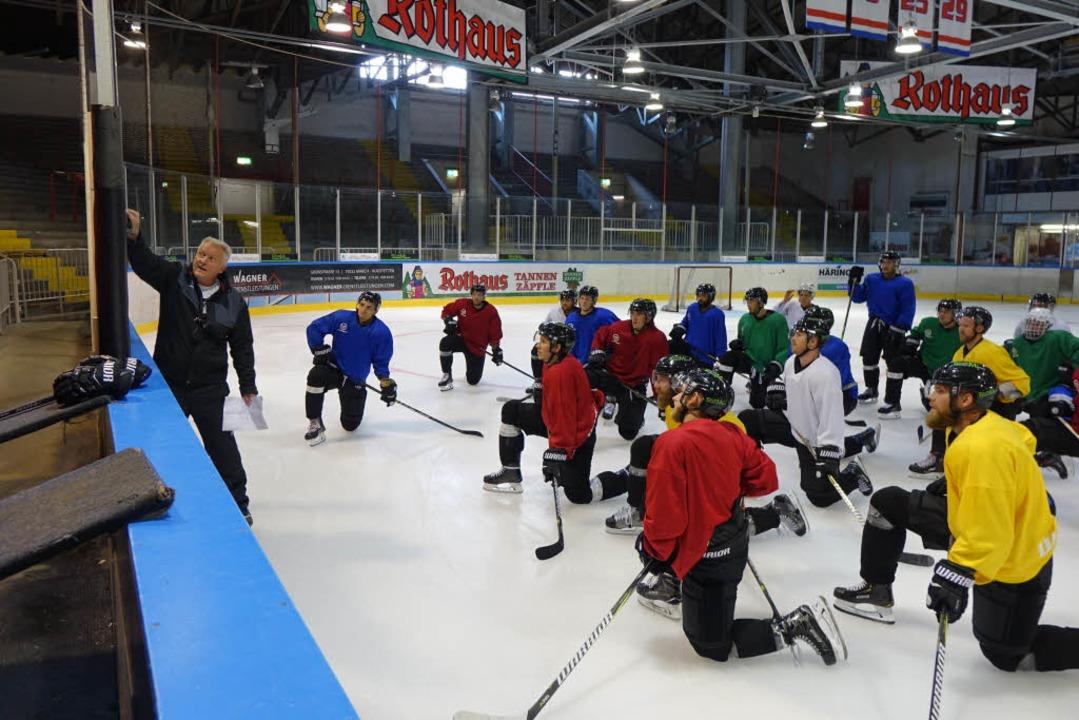 In der Franz-Siegel-Halle wird auf dem Eis trainiert.    Foto: Benjamin Resetz