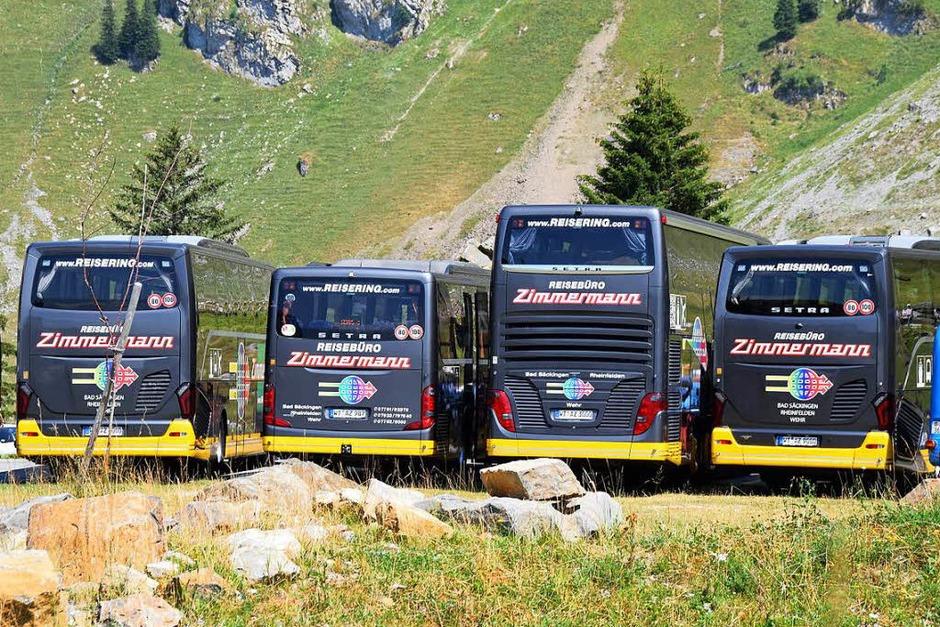 Eine herrliche Fernsicht offerierte den Lesern der Badischen Zeitung am Samstag auf dem Säntis tolle Blicke in die Schweizer Bergwelt. 270 Leser in fünf Reisebussen erlebten einen eindrucksvollen Tag auf 2502 Metern Höhe. (Foto: Hildegard Siebold)