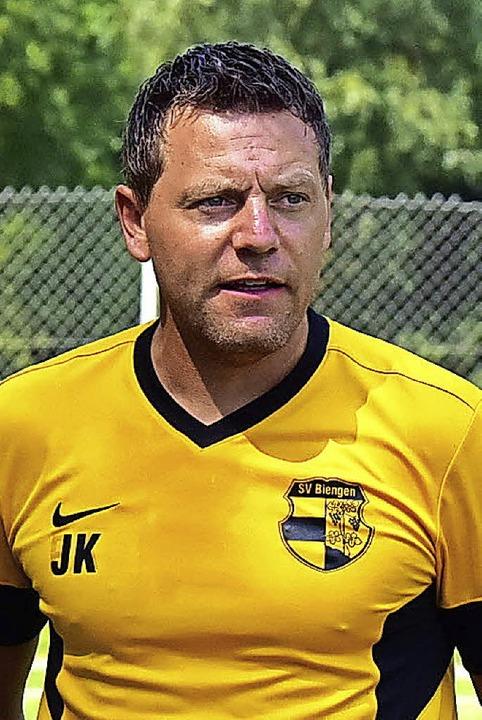 <BZ-FotoAnlauf>Bezirksliga:</BZ-FotoAn...uftakt freuen:  Trainer Jan Lindemann     Foto: Thoma