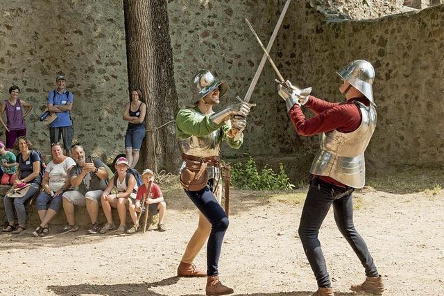 Ritterfreunde erkunden die Kastelburg