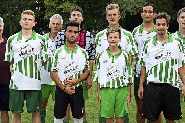 Vielfältiger Fußballsport bei tropischen Temperaturen