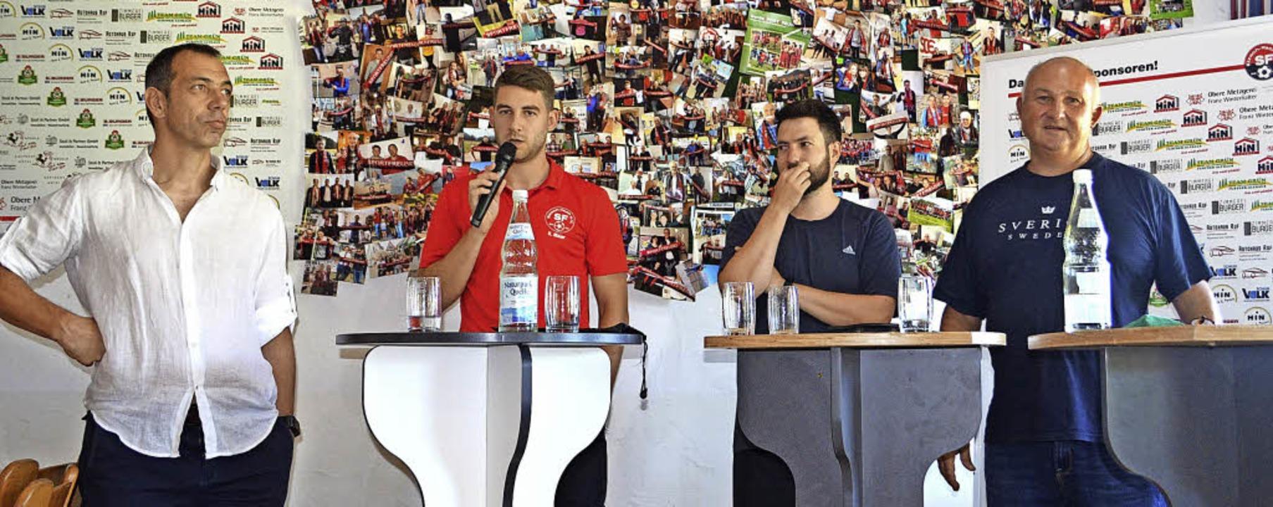 Pressekonferenz im Clubheim vor der Fo...ressebeauftragter der SF (von links).   | Foto: Fotos: Nikolaus Bayer