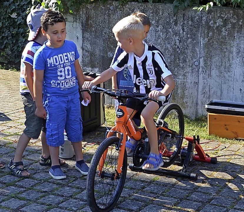 Auf dem Energie-Fahrrad  | Foto: Vitt