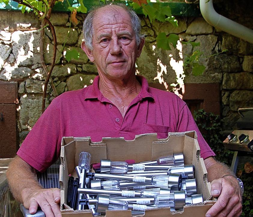 Zwei große Kartons an Solarleuchten ha...h ausgegeben, ein kleiner  kam zurück.  | Foto: Herbert Frey