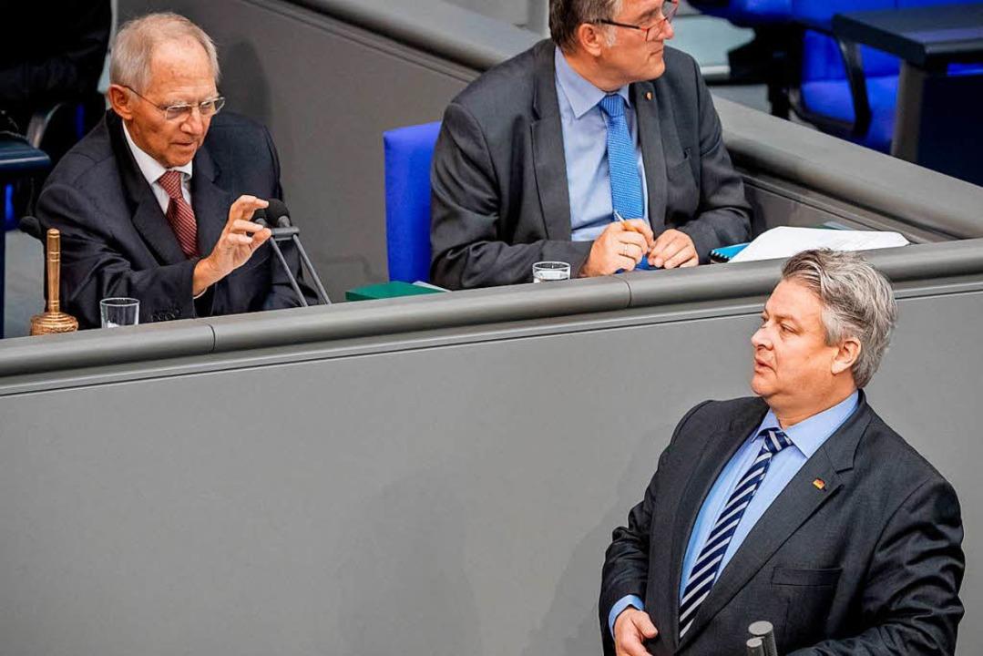 Juni 2018 im Bundestag:  Schäuble  bit...dessen Rede, seine Sprache zu mäßigen.  | Foto: dpa
