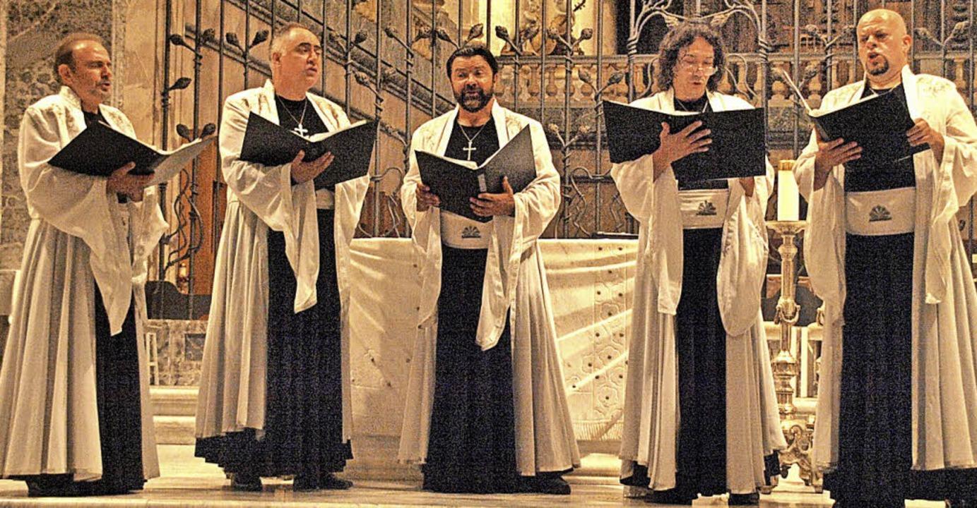 Das Angelicus Ensemble aus Sofia und d...eßen den Dom von St. Blasien erklingen    Foto: Karin Stöckl-Steinebrunner