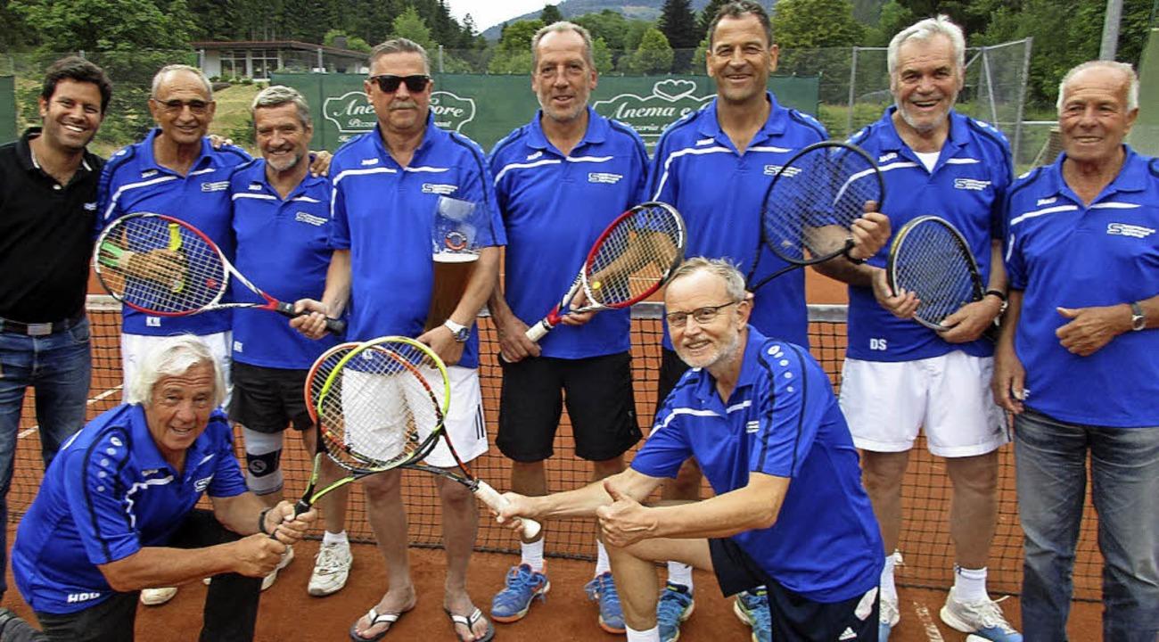 Die Mannschaft Herren 50 hat die Meist...twart des Tennisclubs Florian Girgis.   | Foto: Tennisclub St. Blasien