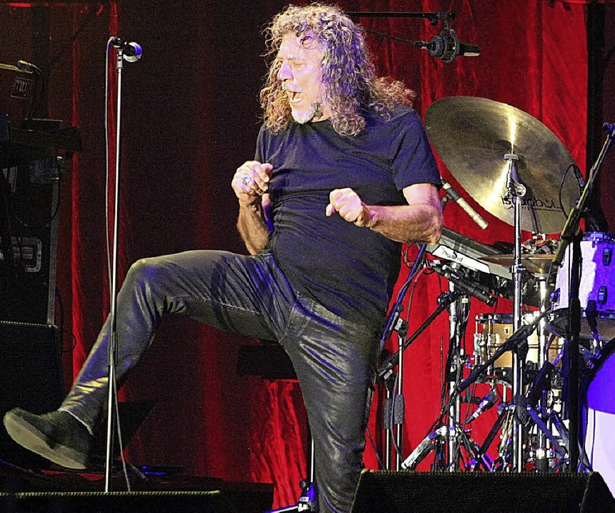 Robert Plant auf dem Marktplatz    Foto: Barbara Ruda