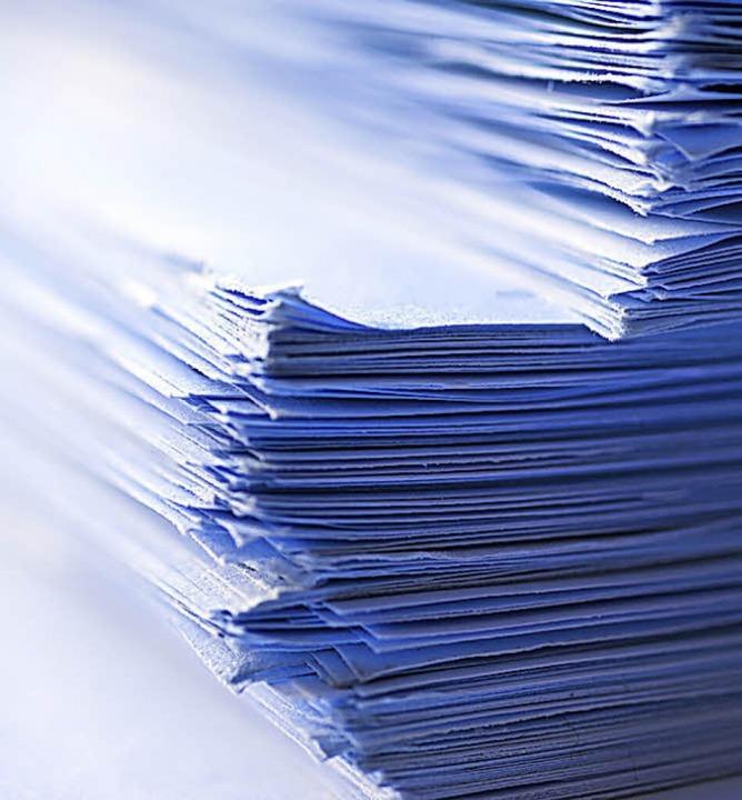 Die Aktenberge im Staufener Missbrauchsfall sind nahezu abgearbeitet.   | Foto: stock.abobe
