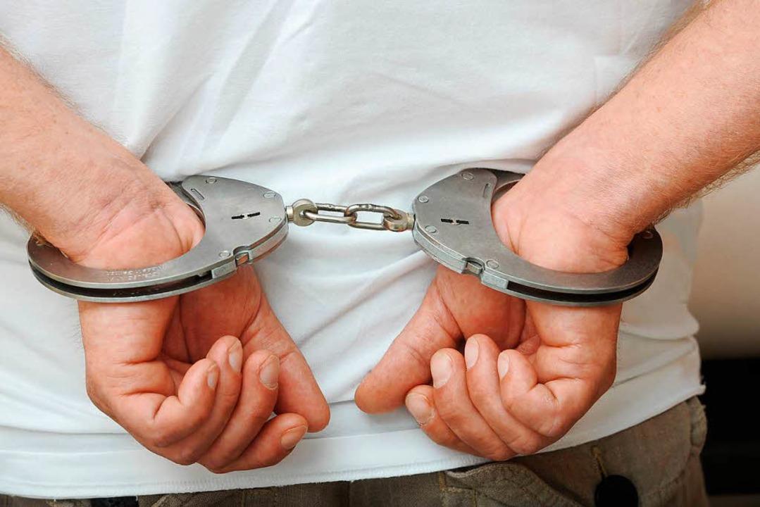 Nach dessen Flucht hatte die Polizei d...ucht. Sieben Wochen lang. (Symbolfoto)  | Foto: dpa