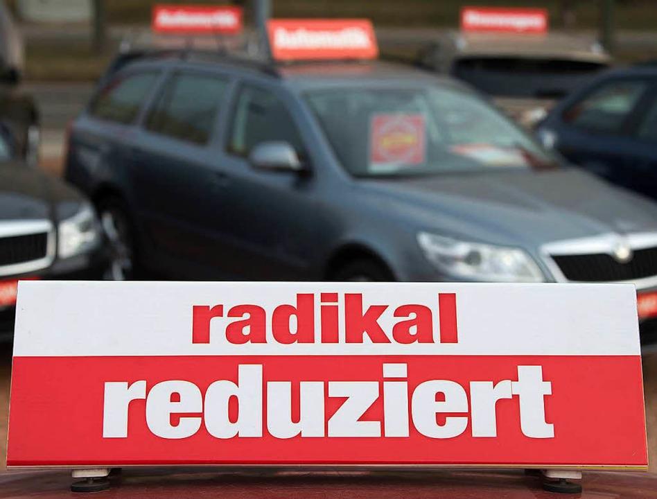 Ein früherer Autohändler aus dem Raum Freiburg stand vor Gericht (Symbolfoto).  | Foto: dpa