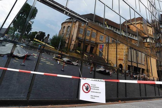Fassade der Freiburger Unibibliothek muss erneut geprüft werden