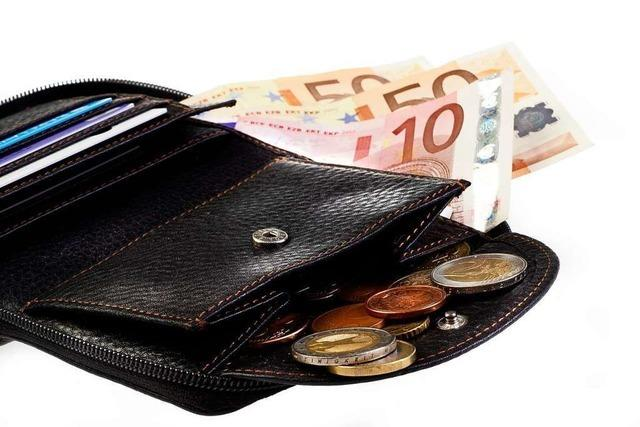 Ehrlicher Finder gibt Geldbörse ab und wird belohnt