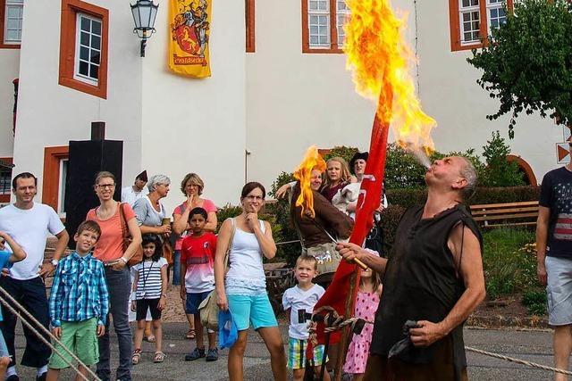 Schlossfestspiele im Schmieheimer Schlossgarten: Unter Haudegen und Gauklern