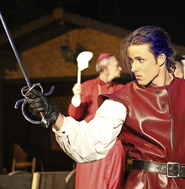 Die Musketiere kamen an: Viele Vorführ...l- und Degenstücks waren ausverkauft.   | Foto: Katja Roswog