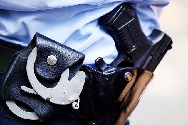 28-Jähriger schleudert Bierflasche gegen Polizistin