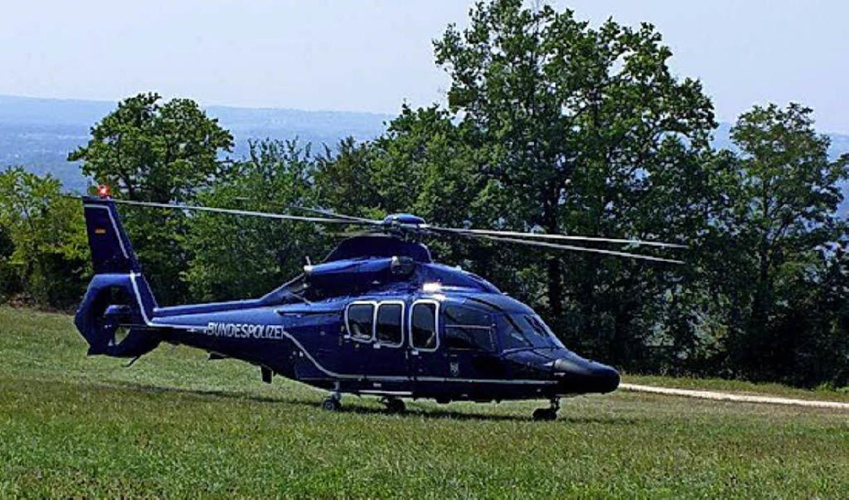 Der Super-Puma der Bundespolizeifliege... mit politischem Besuch in Huttingen.     Foto: privat