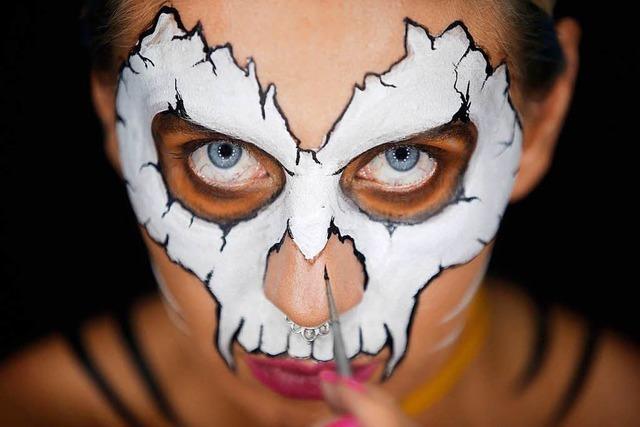 Bodypainting-Illusionen: Künstlerin Kika verwandelt sich auf YouTube