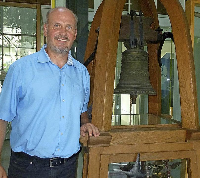 Albbrucks Bürgermeister Stefan Kaiser ...uhr schlug einst  zum Schichtwechsel.   | Foto: Rafael Herrmann