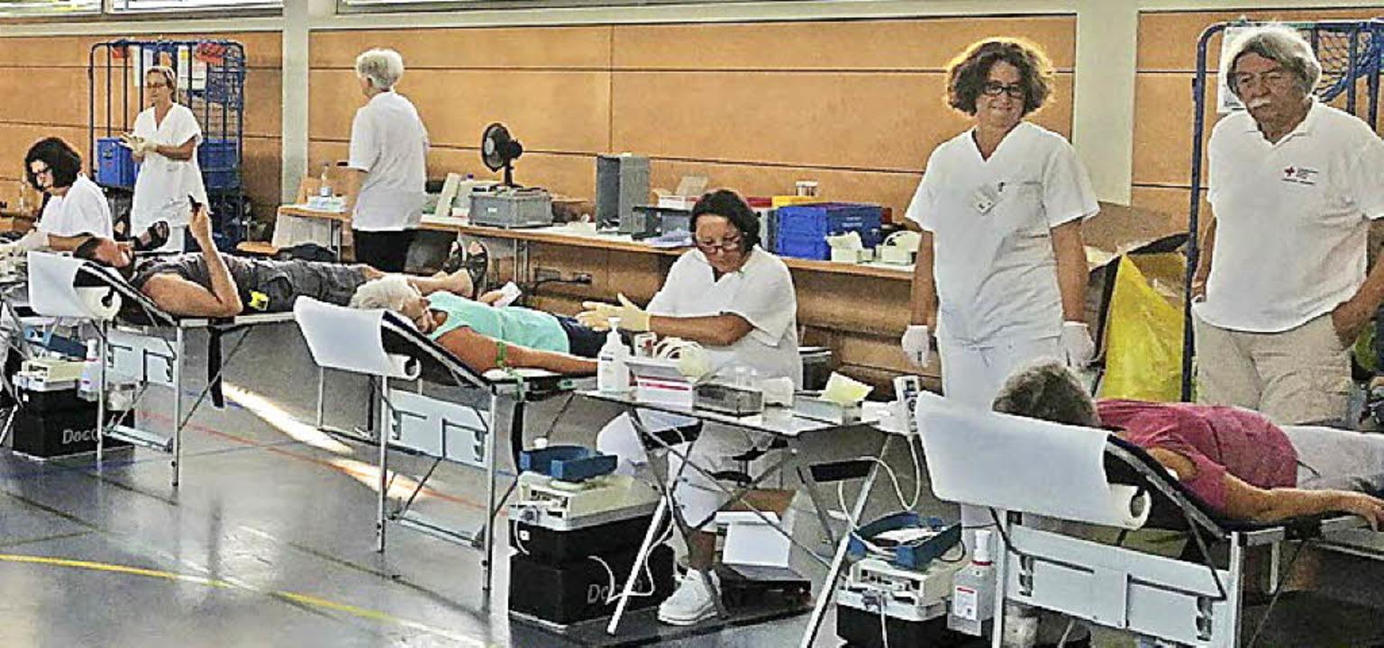 Gut gefüllt mit Blutspendern: die Heinz-Ritter-Halle in Vörstetten   | Foto: DRK Vörstetten