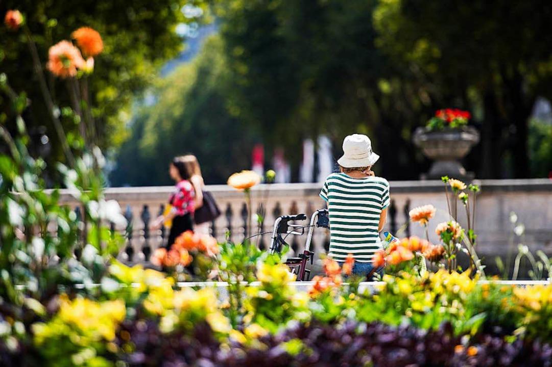 Hitze ist gerade für Senioren eine Belastung und kann sogar gefährlich werden.   | Foto: jana bauch/dpa