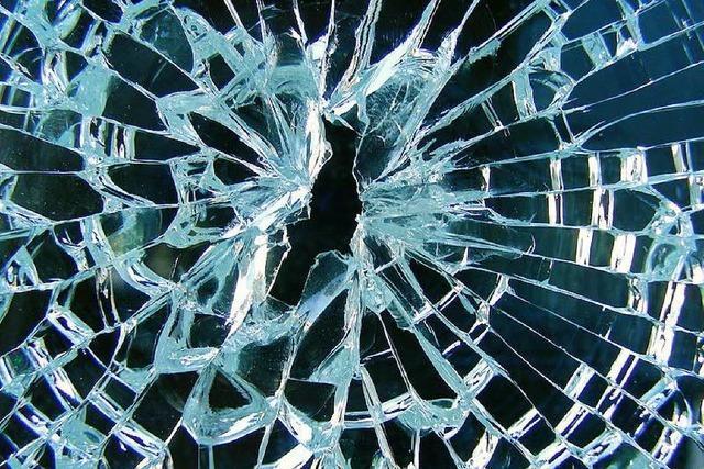Schaufensterscheibe in Brombach eingeschlagen