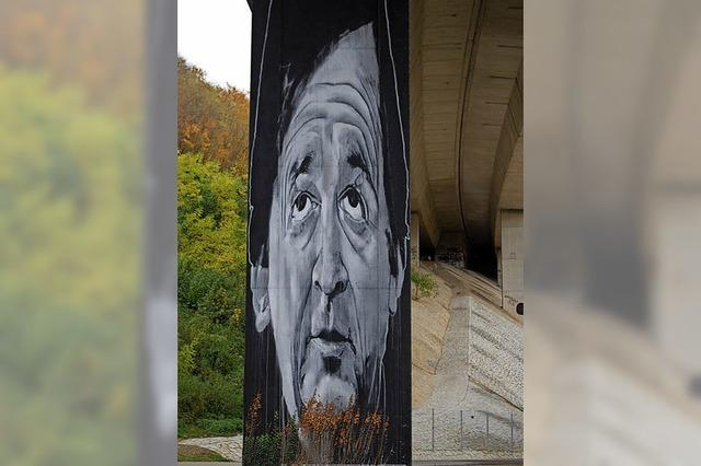 Graffiti-Open-Air-Walk durch die Bridge Gallery