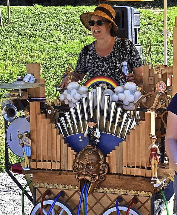 Auch die bunte Karakuri-Orgel ist dabei.  | Foto: Hubert Bleyer