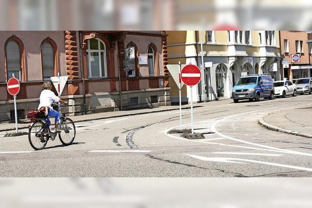 Einfahrt verboten in die Hebelstraße