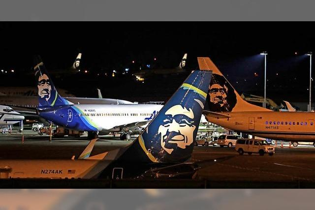 Angestellter kapert leere Passagiermaschine in Seattle und stürzt ab