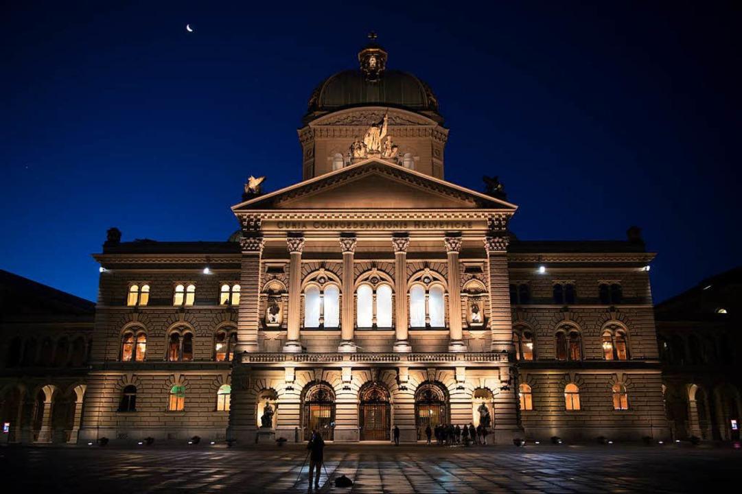 Auch im Bundeshaus in Bern bleibt einiges im Dunkeln.  | Foto: Anthony Anex