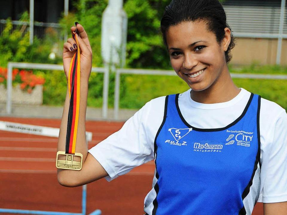 Die USC-Athletin Marie-Laurence Jungfl...itel der weiblichen A-Jugend in Berlin  | Foto: Karl-Hermann Murst