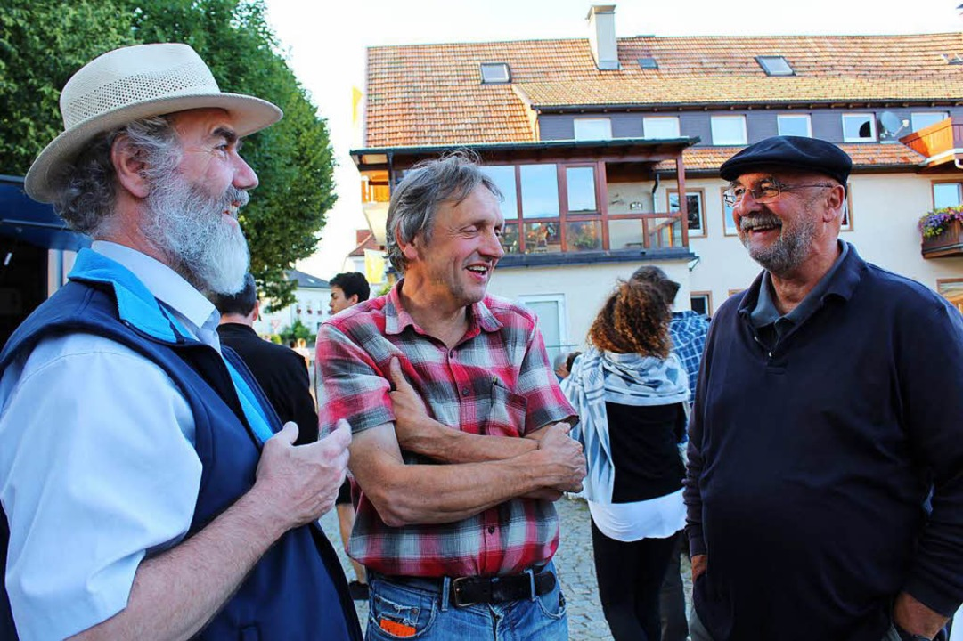 Drei der Macher: Von links: Pfarrer Kl... Josef Saier und Festwirt Herbert Mark  | Foto: Erich Krieger