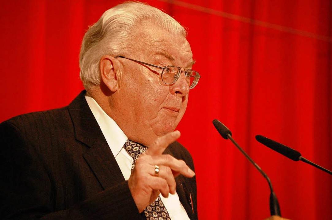 Karl Heinz Vogt war 24 Jahre lang Bürgermeister von Hausen.  | Foto: Angelika Schmidt
