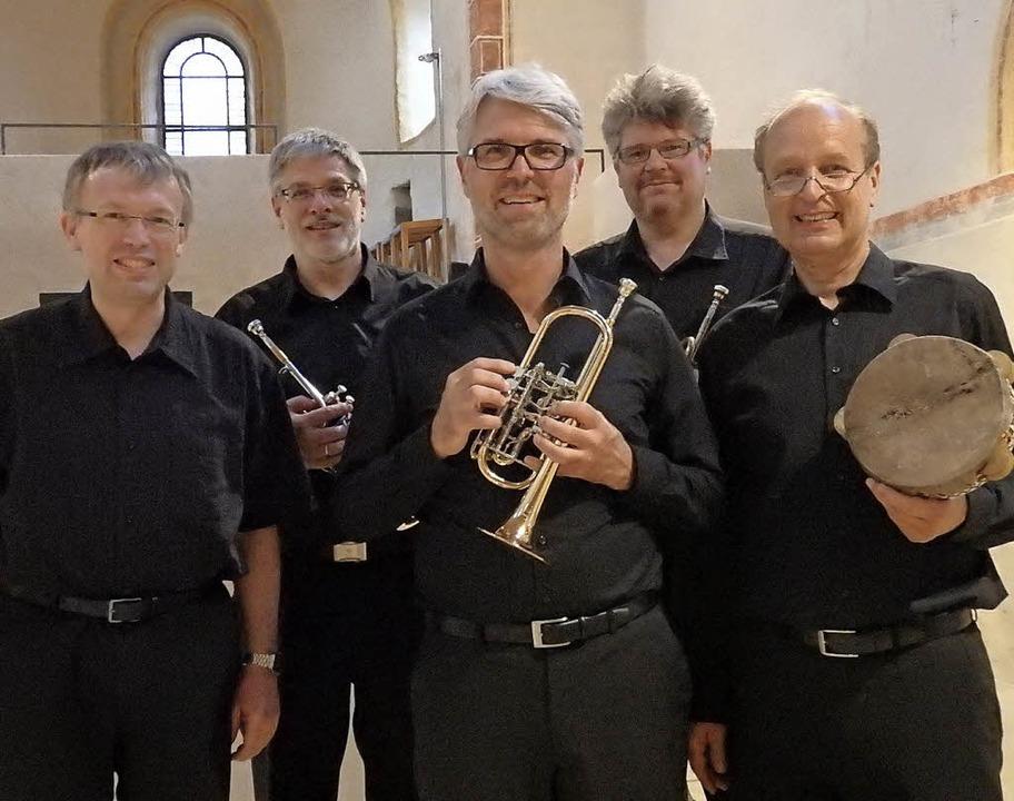 Begeisterten mit ihrer virtuosen Bach-...d Torsten Wille an der Orgel (links).   | Foto: Bianca Flier