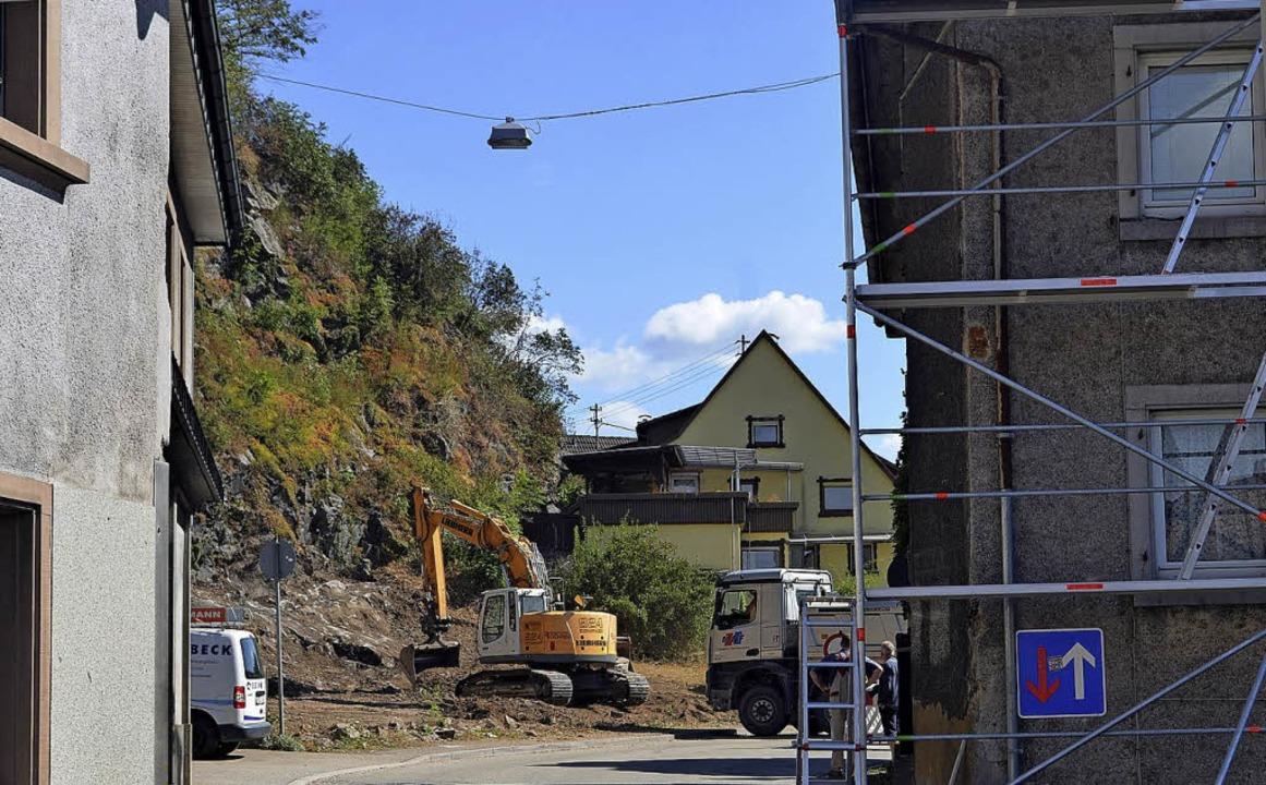 Herstellung eines Zugangs zur Felswand...nnel West in der Engstelle Oberwinden.  | Foto: Nikolaus Bayer