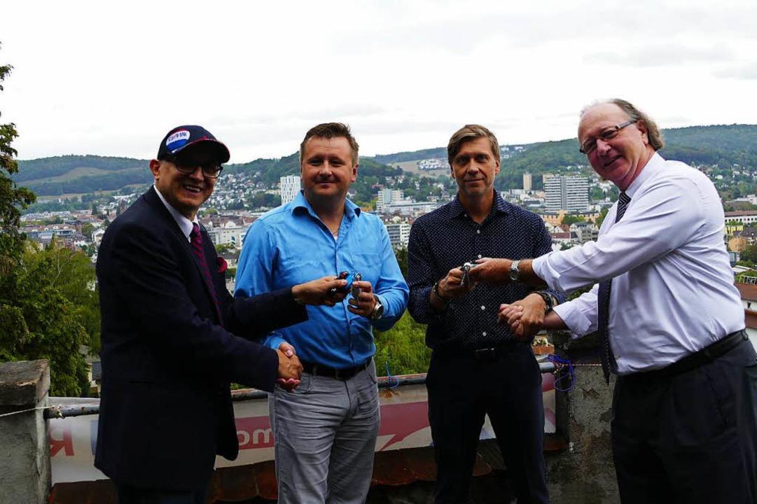 Schlüsselübergabe auf dem Turm von Sch...mpf, Andrey Sorokin,  Thomas Friedmann  | Foto: Kathrin Ganter